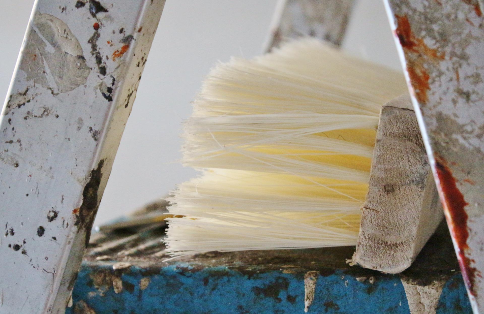 Kosten für Tapezierarbeiten und fürs Tapezieren durch professionelle Tapezierer vorher vergleichen. Tapeten kleben Kosten