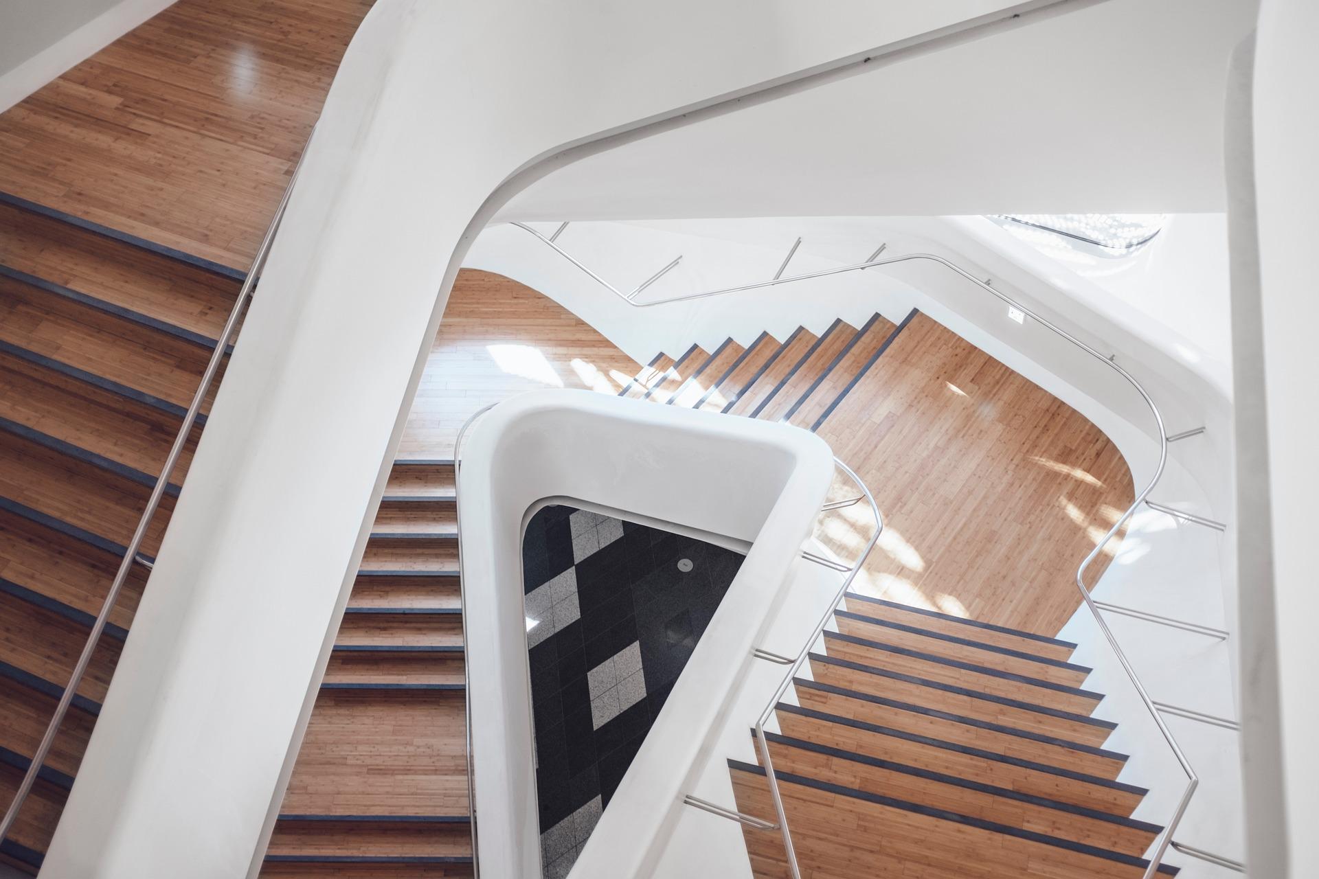 Treppe lackieren Treppe streichen Holztreppe lackieren Holztreppe streichen